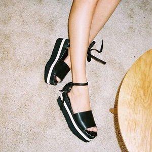 AA Straight platform sandals